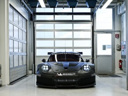 First Look At The 2017 911 RSR