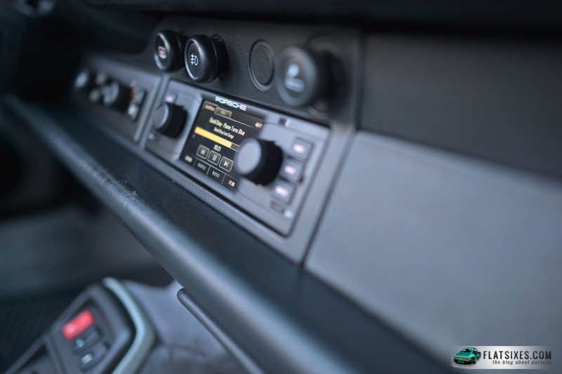 porsche classic navigation radion installed5-wm