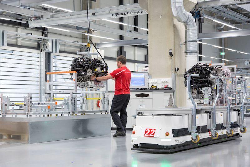 Porsches v-8 factory