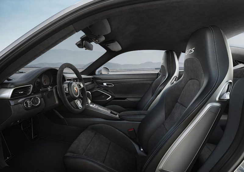 911 Carrera 4 GTS Interior