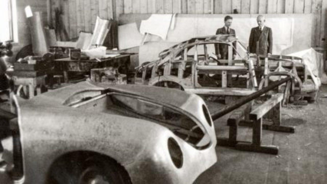 A Brief History on the Origins of the Porsche 356