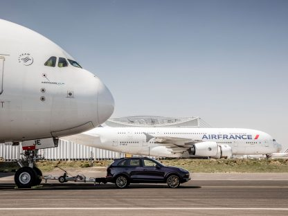 Watch a Porsche Cayenne Tow an Airbus A380 To Set Guinness World Record