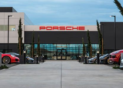 Porsche Expands New Vehicle Delivery to LA Experience Center