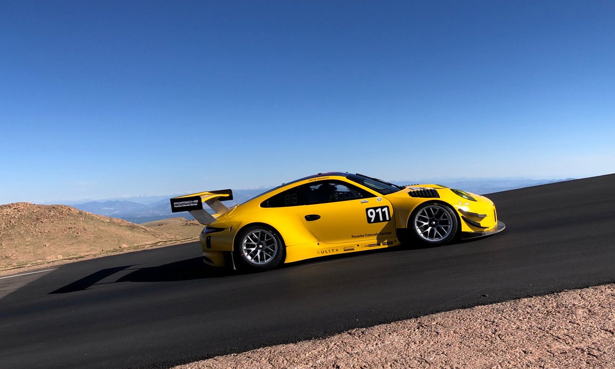 porsche 39 s photos and results from the 2018 pikes peak international hill climb flatsixes. Black Bedroom Furniture Sets. Home Design Ideas